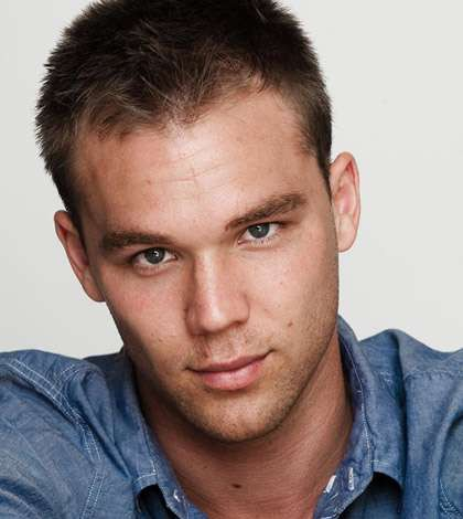 lincoln lewis - photo #13